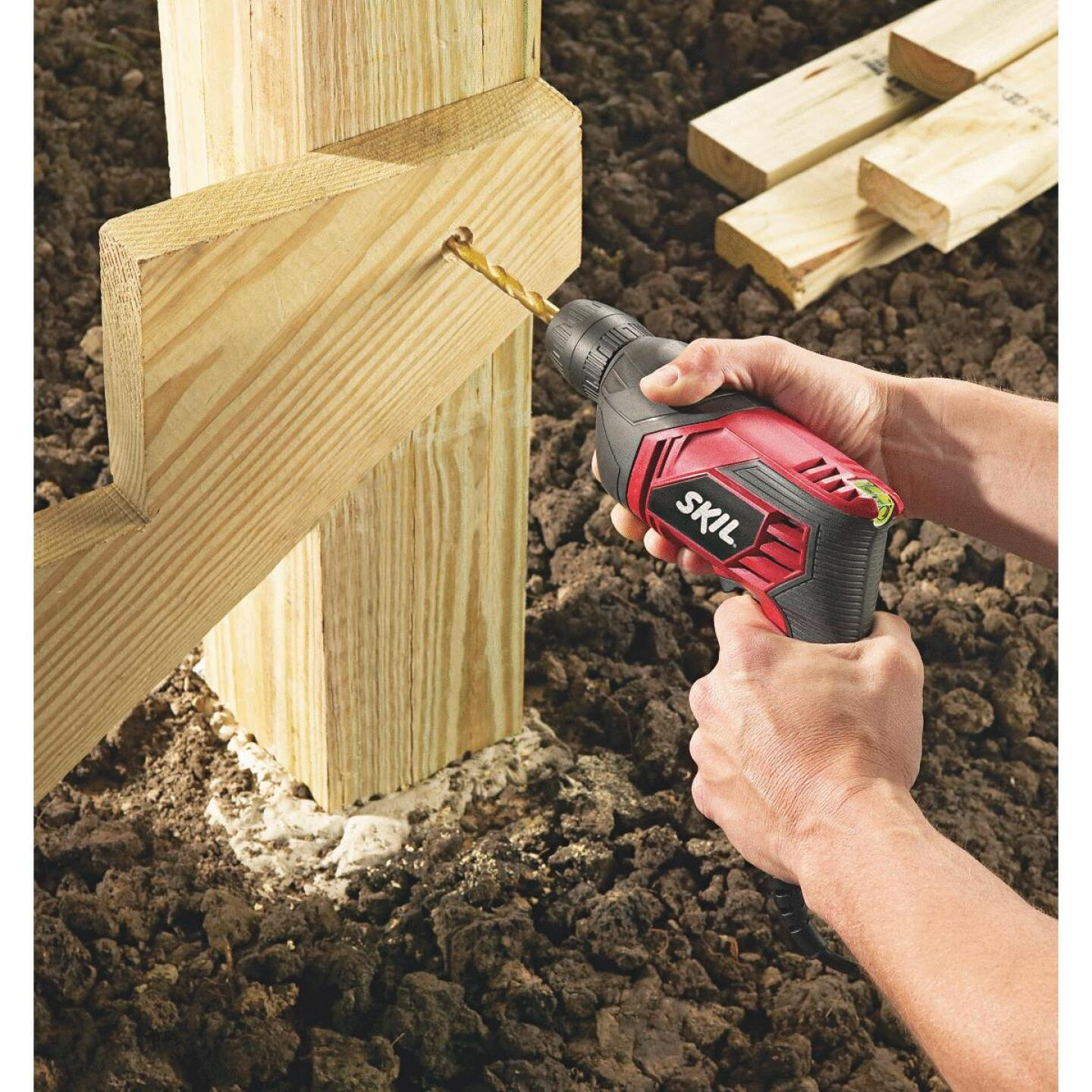 SKIL 3/8 In. 5.5-Amp Keyless Electric Drill with Case Image 2
